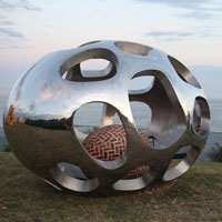 'seas nest' by Zhang Yangen; photo by Howard Jones (Sculpture by the Sea Bondi 2012)